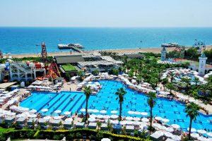 De zwembaden van hotel delphin imperial
